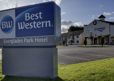Everglades Park Hotel Signage